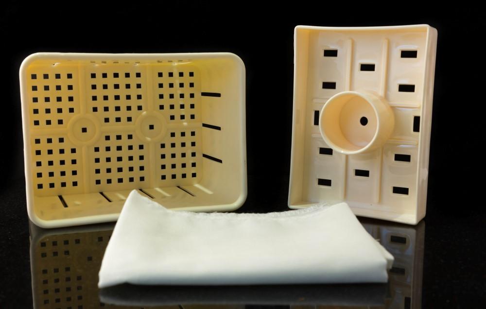 Tofu Press - 2 Piece Press - 7 x 12 x 10 cm